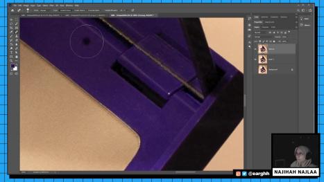 Retouching an Eyeshadow Pallete in Photoshop PART 1